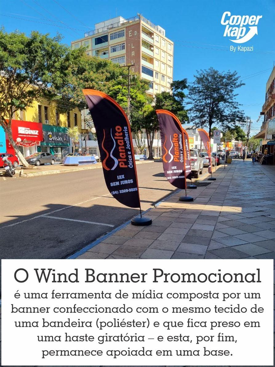 O Wind Banner Promo Kap tem o objetivo de expor sua marca simples e prática. O produto é totalmente personalizado e possui alta resistência e durabilidade. É versátil e fácil de montar, sendo uma ótima opção portátil para divulgar seu negócio. (35) 99822-4565 Whatsapp Leandro Teixeira