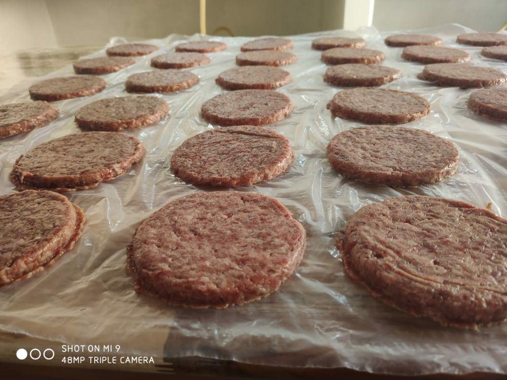 Hambúrguer caseiro da melhor qualidade é só aqui no Saulinho Lanches!!😋🤤🍔😍